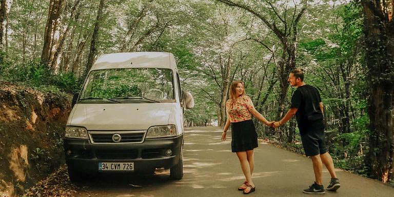 Minibüs Aldılar – Karavan Yapımı İçin Kolları Sıvadılar